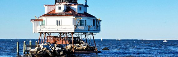 Thomas Point lighthouse, Chesapeake Bay (rising sea levels and tides concept)