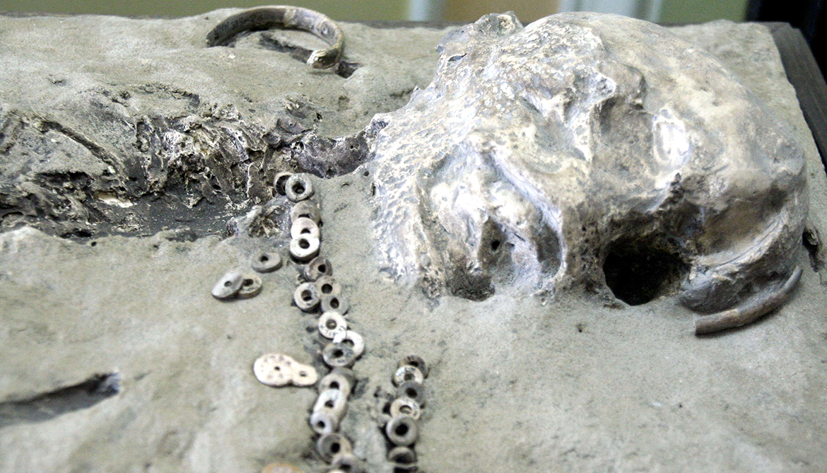 Boy's 24,000-year-old skeleton links Native Americans to Siberia