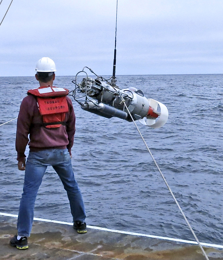 An instrument that measured fast-moving water near the seafloor inside the Juan de Fuca Canyon showed water flowing as fast as 1.3 feet per second at 500 feet below the surface, and showed mixing up to 1,000 times the normal rate for the deep ocean. (Credit: Parker MacCready)
