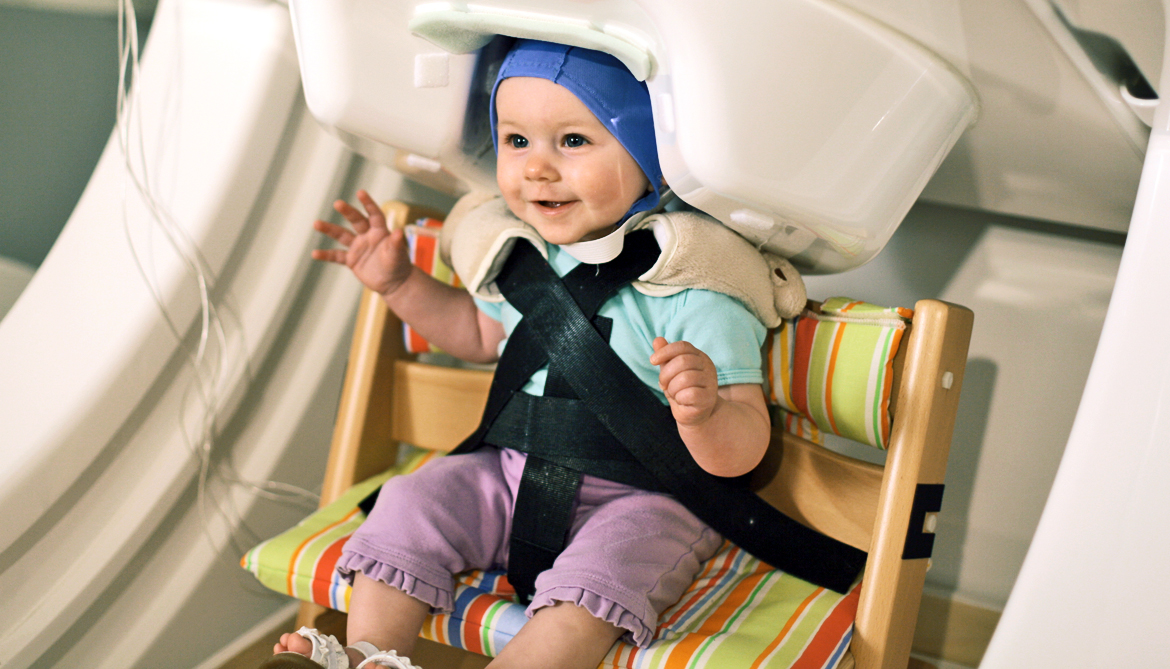 Baby's brain 'rehearses' before first words