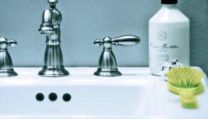 "robot ""sees"" hairbrush on sink"