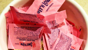 sweet 'n low packets of saccharin