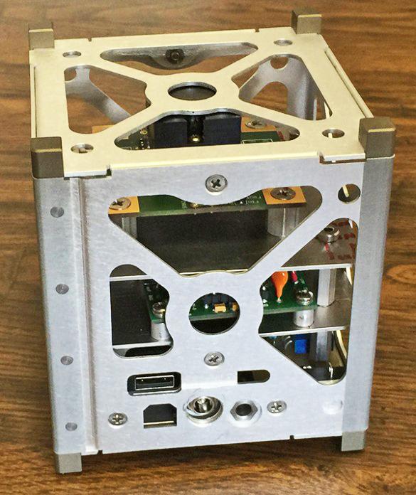 CubeSat gamma-ray spectrometer prototype