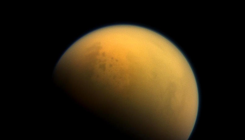 Can an exoplanet's orange haze indicate life?