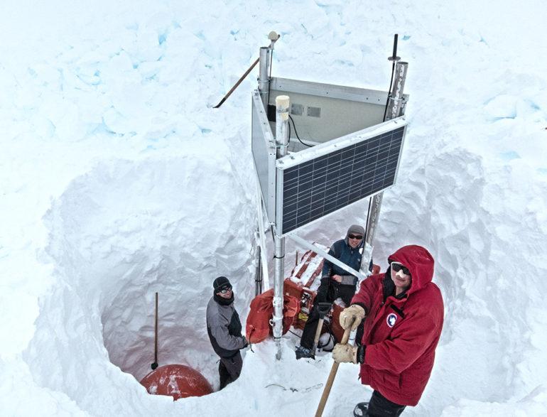 team maintains a seismic station on Thwaites Glacie