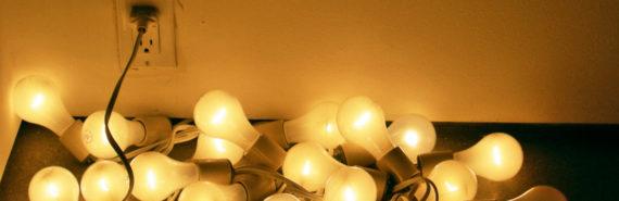 jumble of lightbulbs