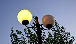 street light on and off