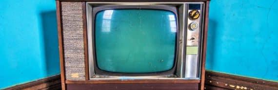 retro tv set blue walls