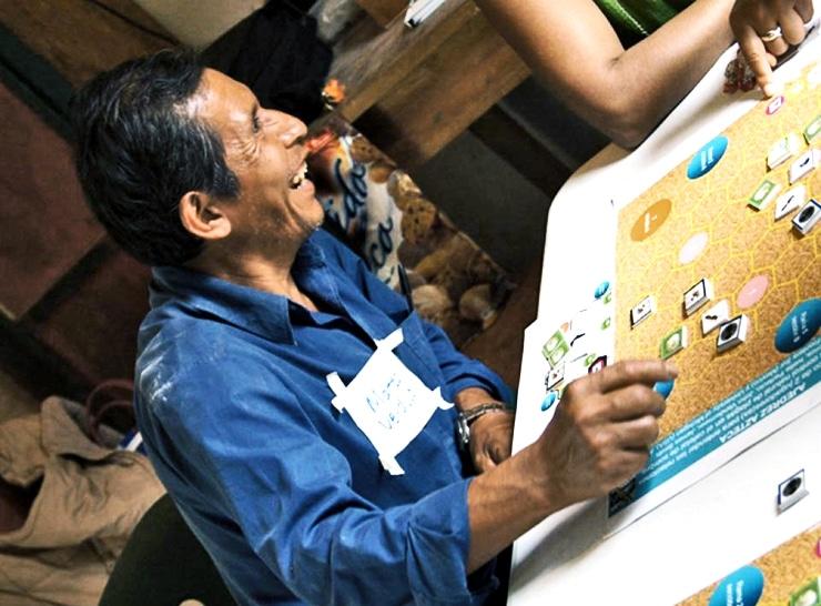 a Mexican coffee farmer plays Azteca Chess