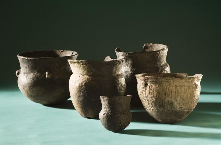 funnel beaker & single grave pottery