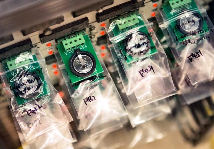 sulfur lithium batteries