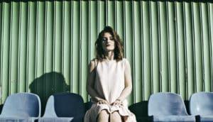 woman sitting (mindfulness)