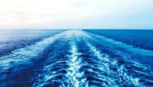ocean wake & horizon (undersea earthquakes concept)