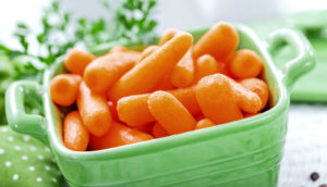 baby carrots (snacks concept)
