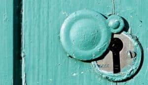 keyhole in green/blue door