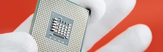 circuit in hand (memristor concept)