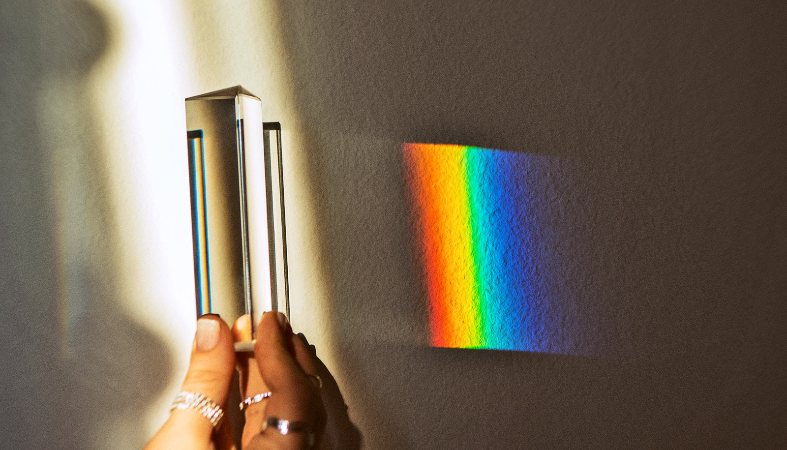 light radiation device bends tiny create futurity prism refracting bending