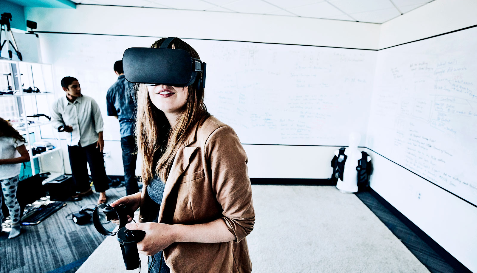 'Holodeck' project brings VR and augmented reality together - Futurity