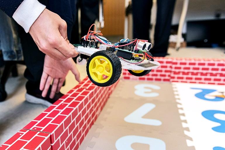 small gtech robot