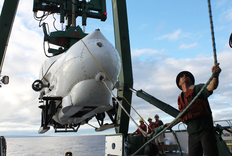 submersible for mesophotic coral research