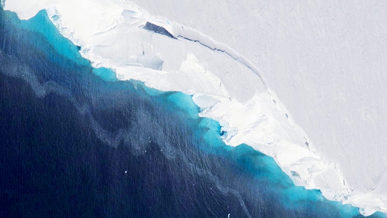 Part of Thwaites Glacier crumbles into the ocean