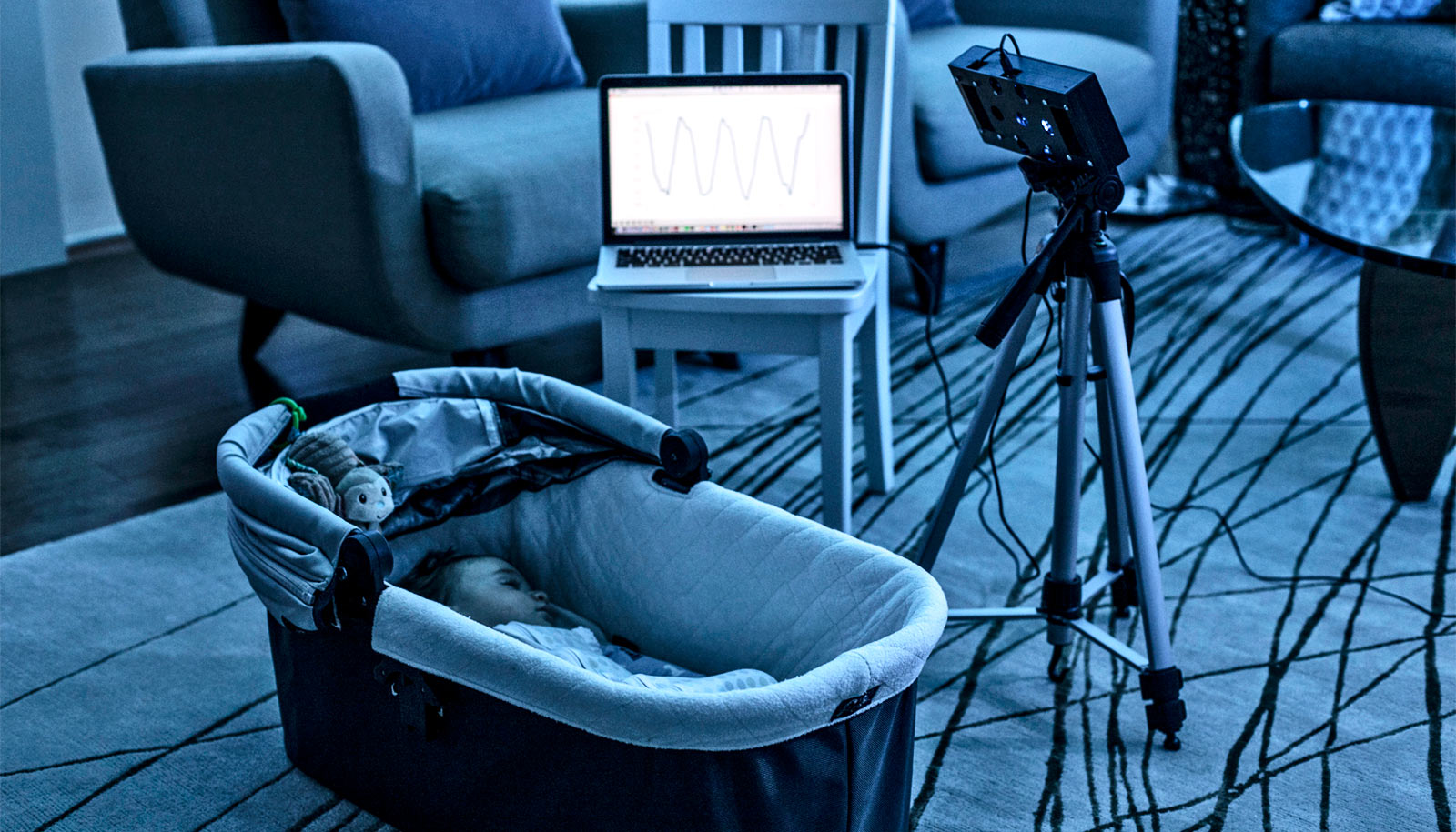 BreathJunior monitors sleeping babies with white noise thumbnail