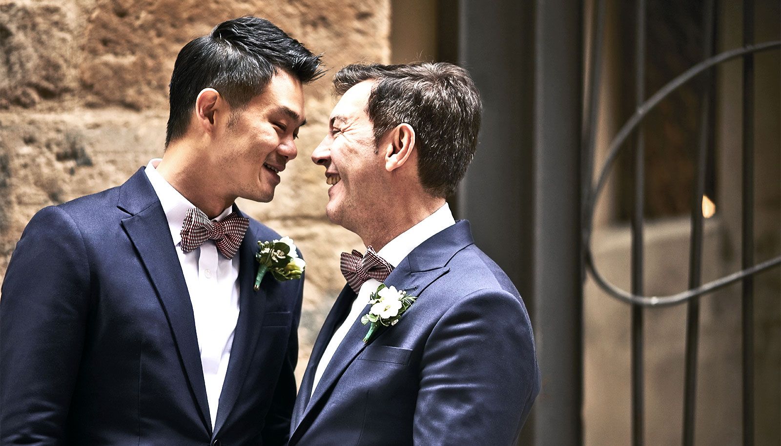 U.S. same-sex couples get marriage licenses without discrimination