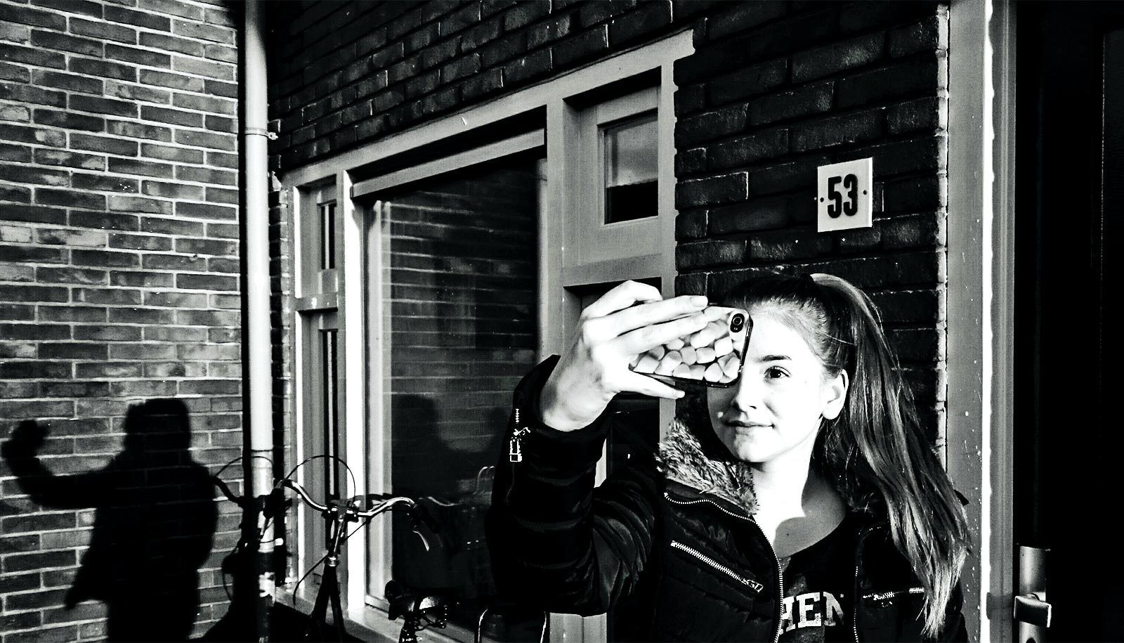 Selfie editing can turn into 'self-objectification' for teen girls - Futurity: Research News