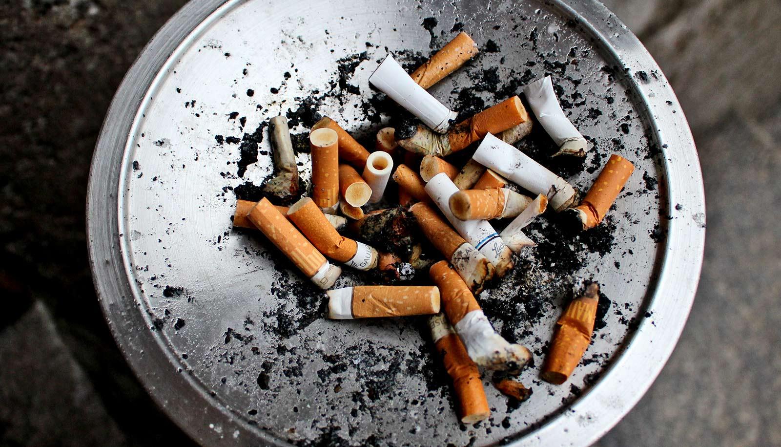 A terapia de combinação ajuda as pessoas na prisão parar de fumar 11