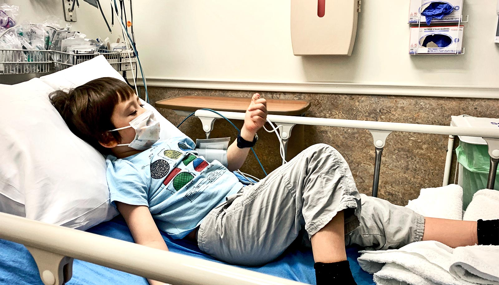 Experts: Don't restrict parent visits to child's hospital bedside - Futurity